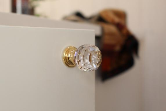 Förnya hemmet med handgjorda dörrknoppar och beslag från Collection by Happynest